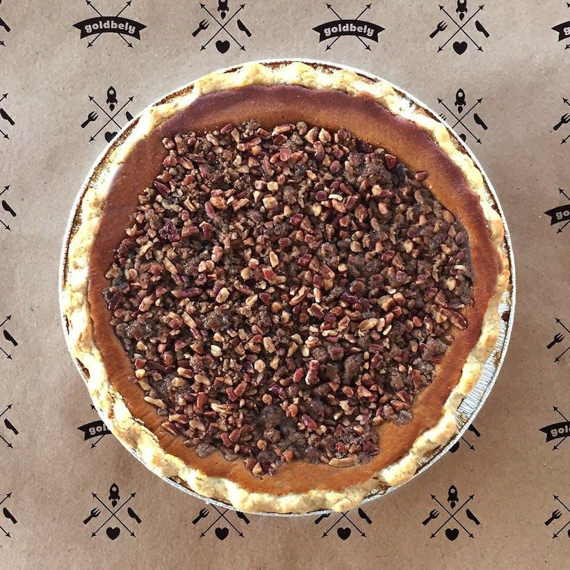 Maple Pumpkin Pie with Pecan Struesel