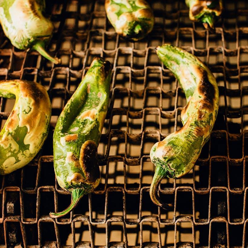 Roasted Hatch Green Chiles - Medium