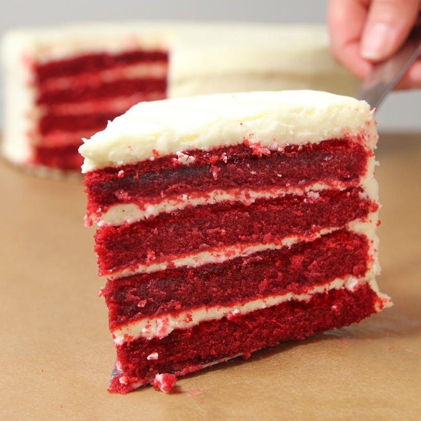 Red Velvet Traditional Cake