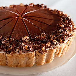 Caramel Chocolate Cheesecake with Snickers