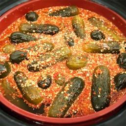 1/2 Sour Pickles - 4 Quarts