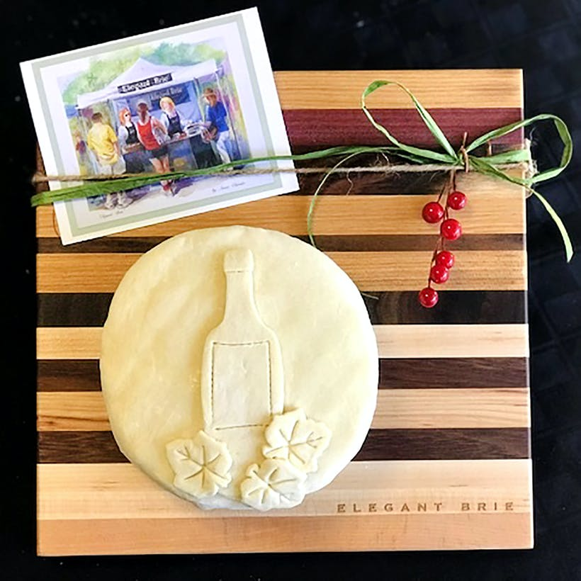 Baked Brie & Cutting Board Gift Pack
