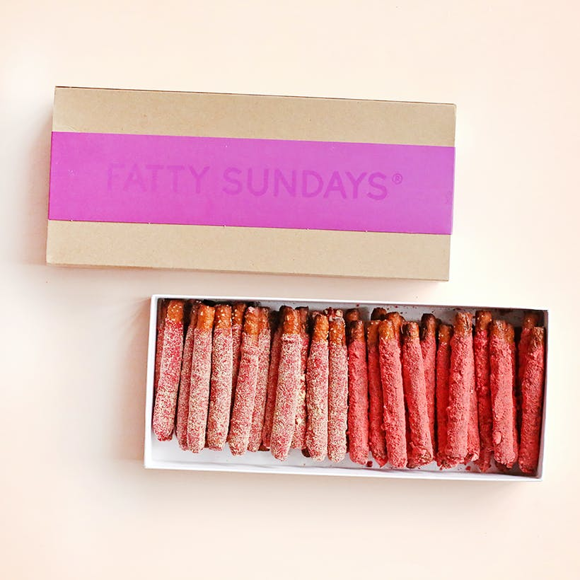 V-Day XOXO Pretzel Gift Box - 30 Piece