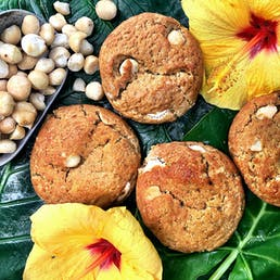 White Chocolate Macadamia Nut Giant Cookie