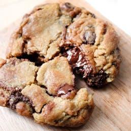 Signature Jumbo Cookies - 6 Pack