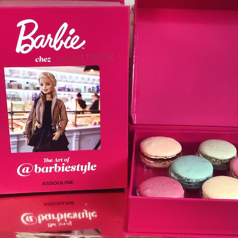 Barbie - Box of 8 Macarons