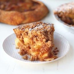 Apple Crumb Caramel Pie