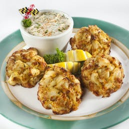 The Annapolitan - 4 Maryland Crab Cakes + Soup