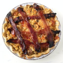Hog Heaven Mac 'n Cheese Pie
