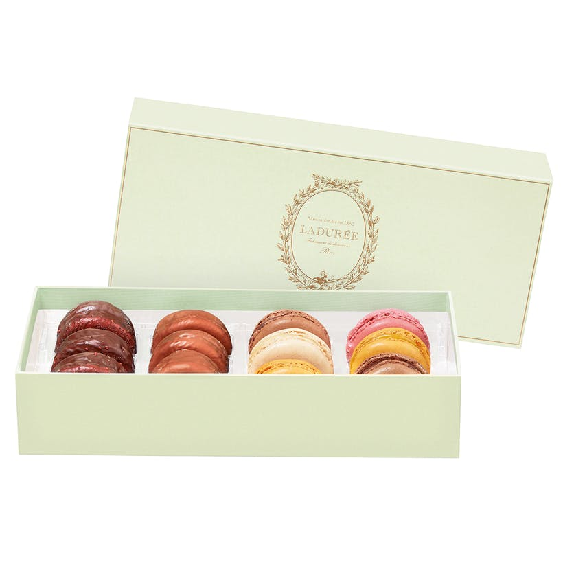 L'incontournable Assorted Macarons - Box of 12