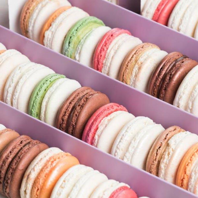 Cheesecake Macarons - 24 Pack