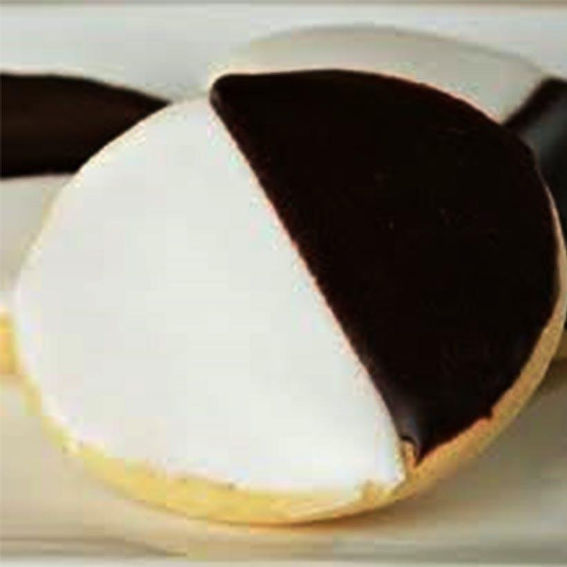 Mini Black and White Cookies - 18 Pack